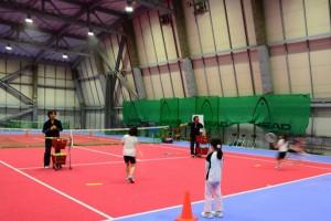 ジュニアテニスのショット練習